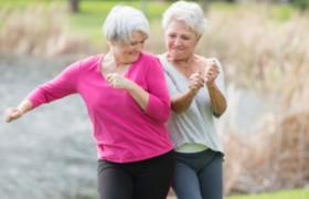 Европейцы считают, что старость приходит только после 80 лет