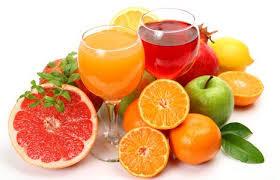 Эксперты не рекомендуют пить больше одного стакана сока в день