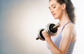 Зачем девушке посещать фитнесс-зал?