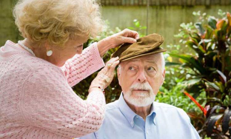 Болезнь Альцгеймера, возможно, передается среди людей, говорит анализ