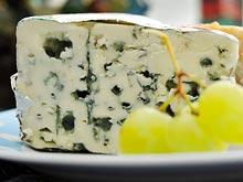 Сыр с плесенью и горох защитят от рака и болезни Альцгеймера