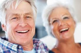 Смех улучшает работу головного мозга у пожилых людей
