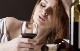 Проблема алкоголизма у женщин.