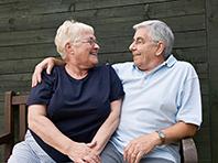 Мужчины и женщины сталкиваются с болезнью Альцгеймера по разным причинам