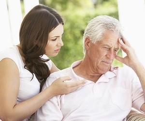 Начальная стадия болезни Альцгеймера: гигиена и уход за больными