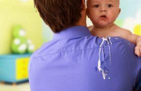 Срыгивание у малышей: причины