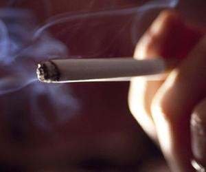 Курение увеличивает риск развития болезни Альцгеймера