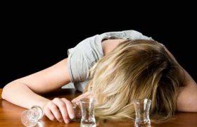 Особенности женского алкоголизма. Первые признаки и симптомы заболевания
