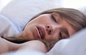 Храп повышает риск возникновения слабоумия у женщин