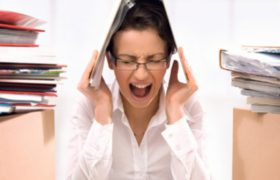 Кардиологи объяснили, почему стресс разрушает сосуды