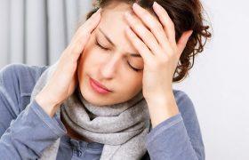 От мигреней спасут теплые ванны и холодные компрессы