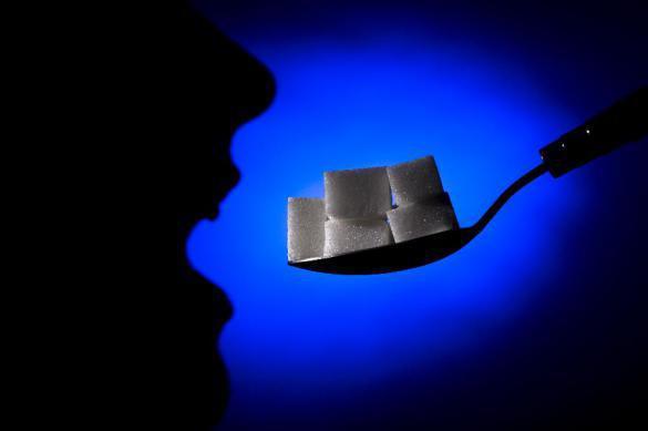 Ученые: две ложки сахара в день убивают мозг
