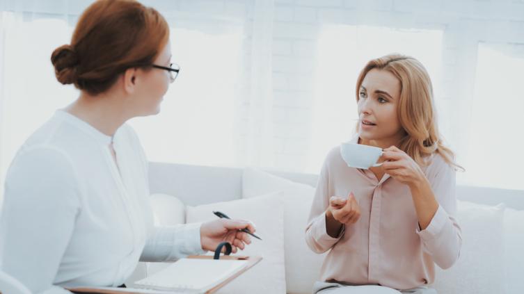 Почему психолог не рассказывает клиентам о своей жизни?