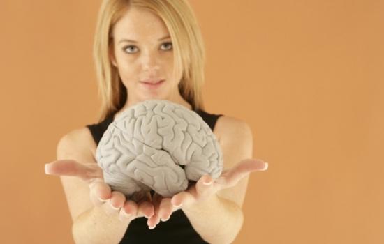 Женский мозг значительно моложе, чем мужской: выводы крупного исследования