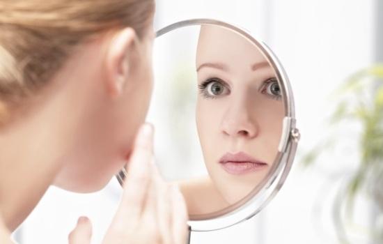 Посмотрите себе в глаза: какую смертельную болезнь мозга можно обнаружить с помощью осмотра глаз?