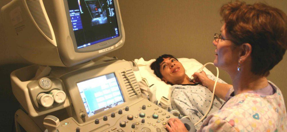 Дуплексное сканирование сосудов головы и шеи: зачем и как проводится?