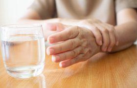 Болезнь Паркинсона: какие витамины могут помочь?
