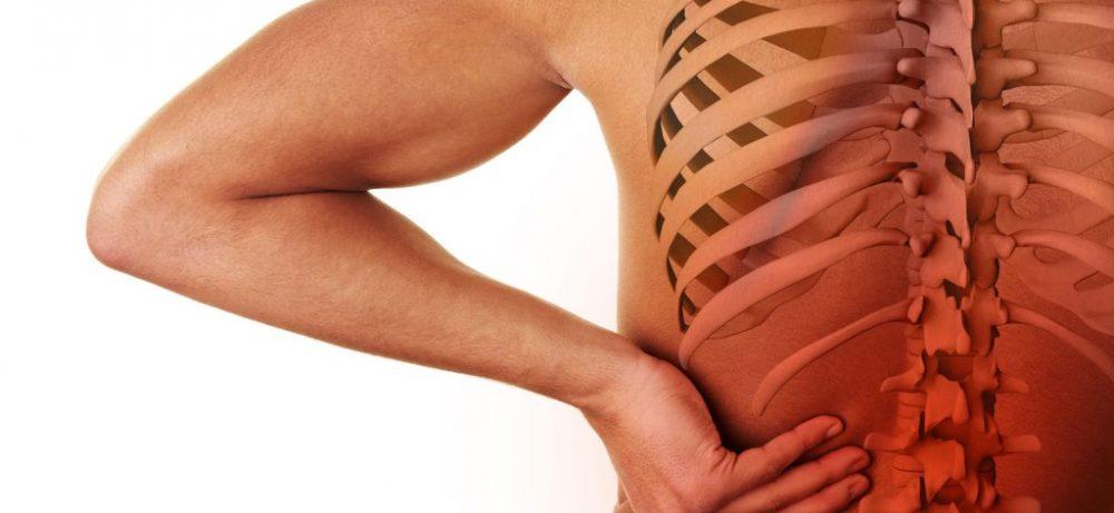 «При боли в спине нужно больше лежать». Невролог комментирует типичные ошибки пациентов