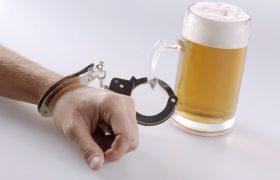 Пивной алкоголизм: основные симптомы и способы борьбы
